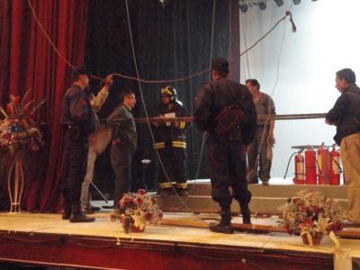 20110404222511-incendio-teatro-bolivar-3-.jpg