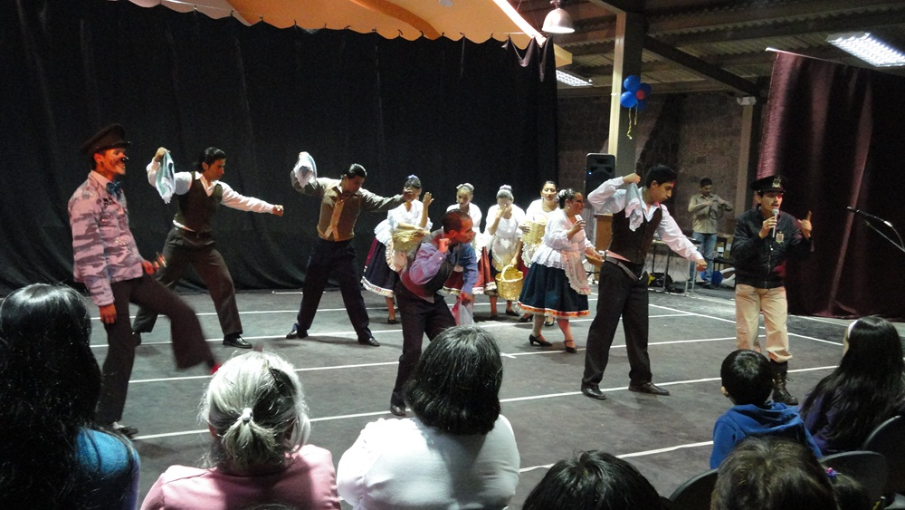 20140219221509-danzando-tierra-2.jpg
